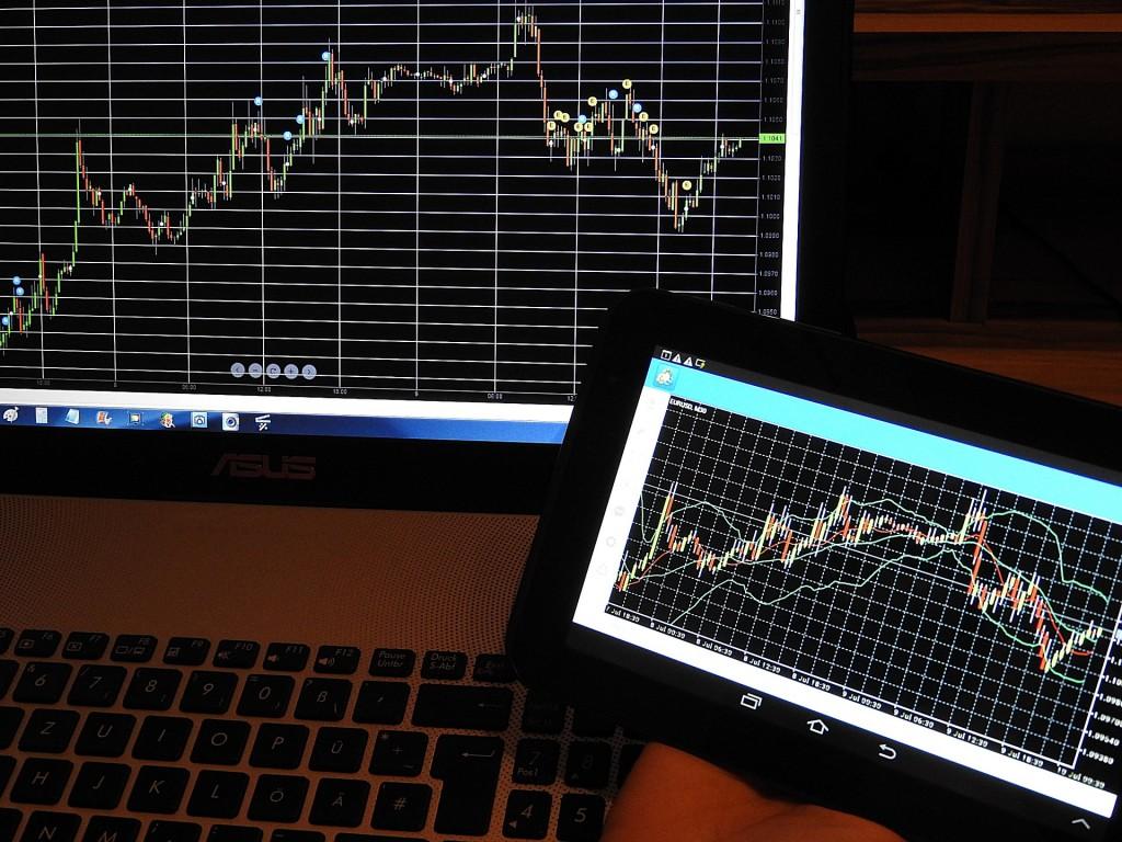 stock-charts-840331_1920
