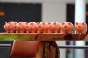 piggy-banks-974412_1280
